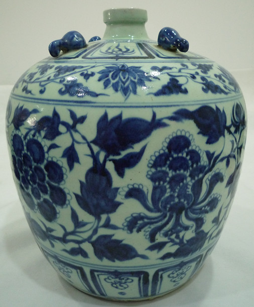 青花牡丹纹罐
