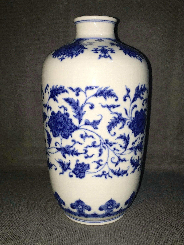 青花灯笼瓶