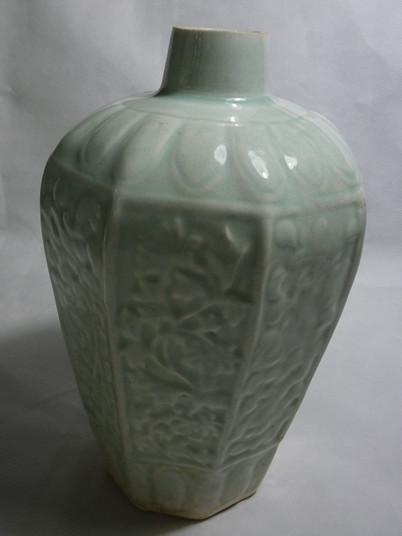 湖田窑印花八方梅瓶